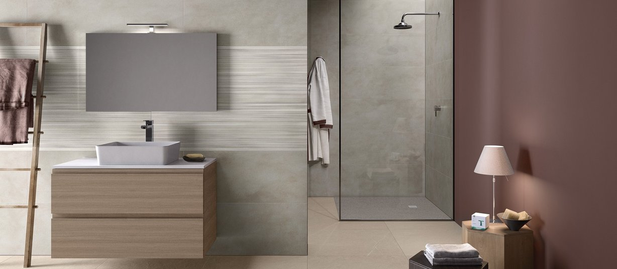 Braid Grey tiles Modern style Bathroom