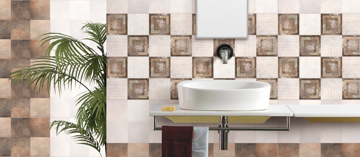 carolin Brown, Mix and White tiles Modern style Bathroom
