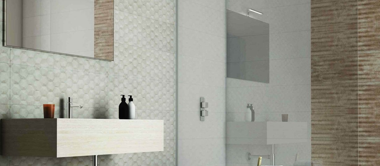 castleon Brown and White tiles Modern style Bathroom