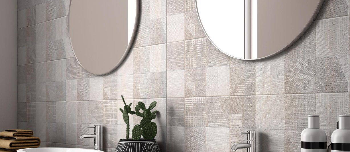 cento Grey and Mix tiles Modern style Bathroom