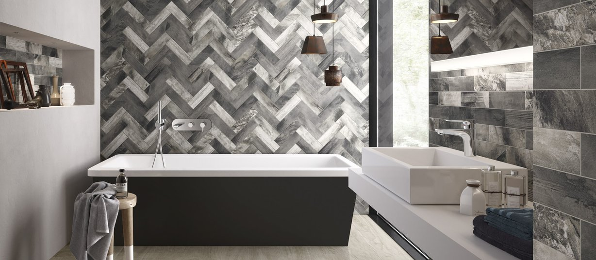 line wood Brown and Grey tiles Modern style Bathroom