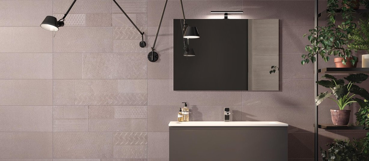 Metal mesh Brown tiles Modern style Bathroom