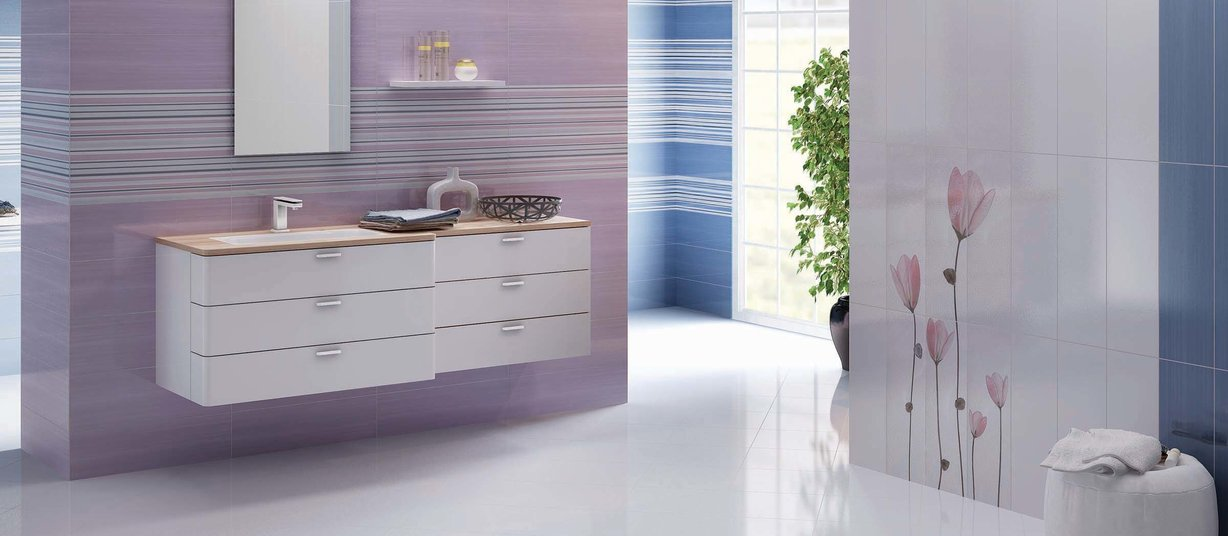 splash Blue, Violet and White tiles Modern style Bathroom
